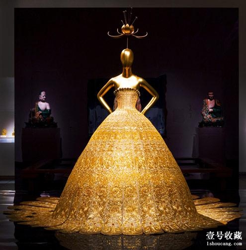 Silk couture evening gown embroidered with gold byGuoPei (Metropolitan Museum of Art)